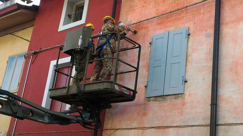 La granata finita sul muro di una casa di sedegliano il - Disegnare sul muro di casa ...
