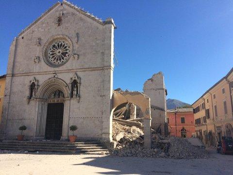 Risultati immagini per norcia terremoto