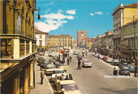 Risultati immagini per italia anni 70 senza scie