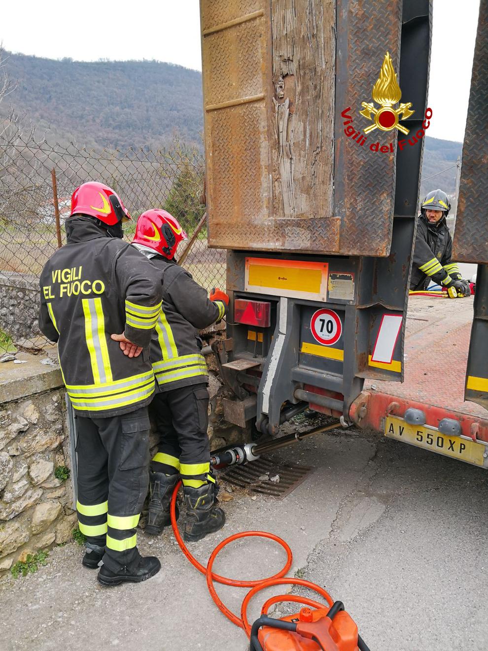 Contatore del gas divelto da un camion due donne evacuate - Contatore gas in casa ...