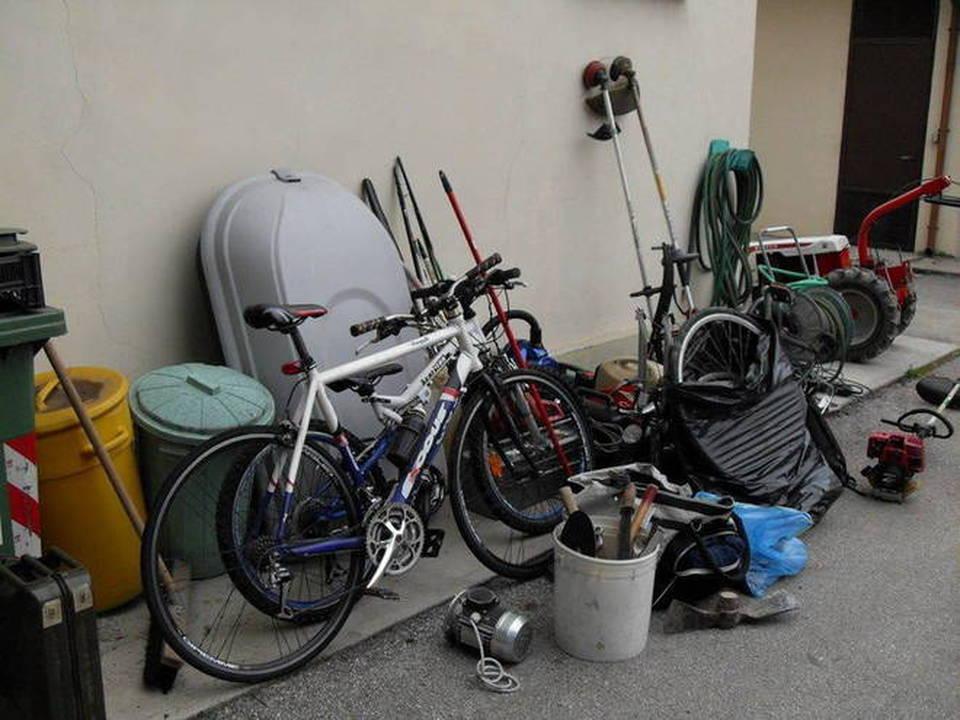 Camposampiero refurtiva recuperata nel garage di un romeno for Costruzione di un soppalco nel garage