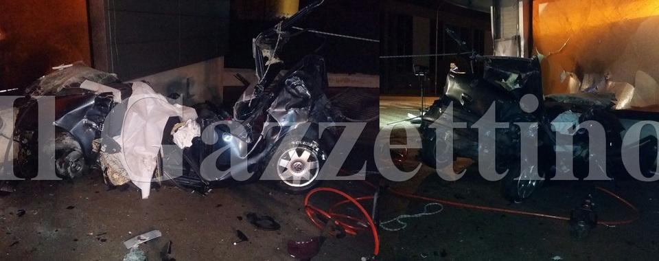 Incidente a Sarmeola: muore una ragazza. I resti dell'auto - Il Gazzettino